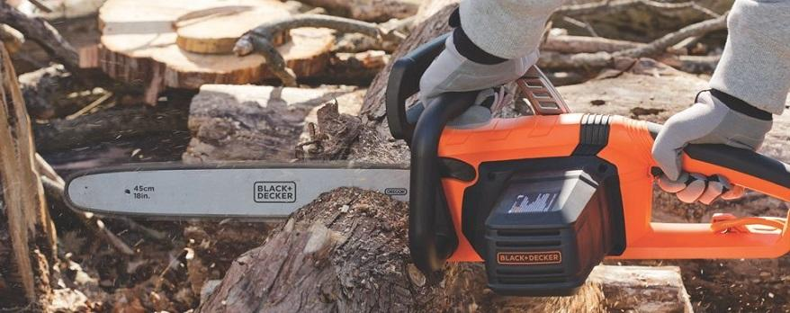 BLACK+DECKER Corded Chainsaw